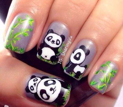 23. Induk panda dan anaknya