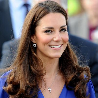 Contek Dress ala Kate Middleton, Sang Putri yang Selalu Stylish