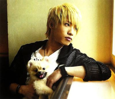 Binatang Peliharaan Personil-Personil Band Rock Jepang yang Menggemaskan!