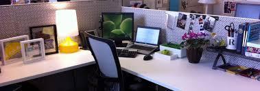 Benda-Benda sebagai Mood Booster yang Wajib Ada di Meja Kerja