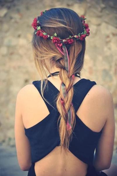 Gaya Rambut Bohemian yang Simple