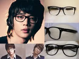 Memilih Kacamata Sesuai Bentuk Wajah  70ad420353