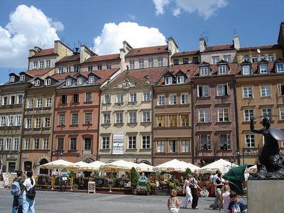 7. Polandia