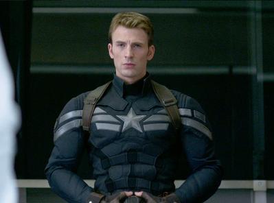 4. Chris Evans, Human Torch dan Captain America