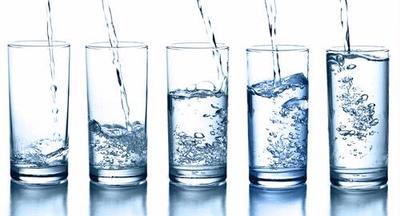 Minum 8 Gelas Air per Hari