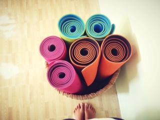 Yang Perlu Diperhatikan Saat Melakukan Yoga di Rumah