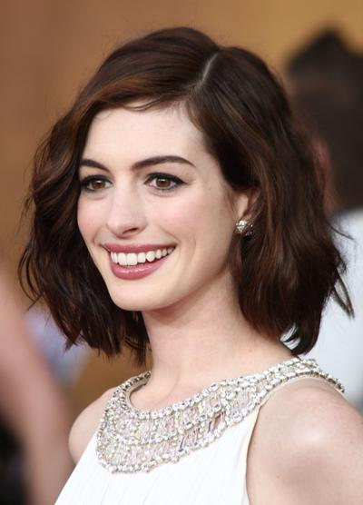 Gaya Rambut Cantik & Mudah untuk Acara Formal