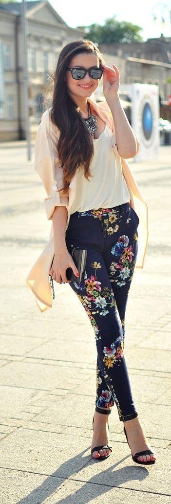 Celana Floral dan Kemeja