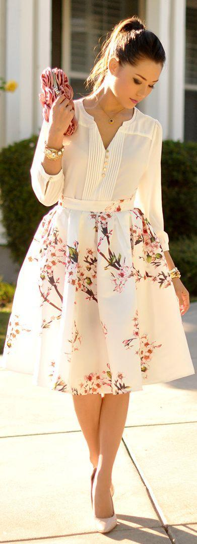 Rok Floral dan Atasan Polos