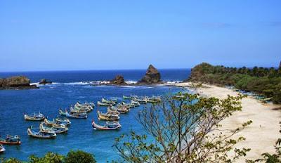 Pantai Camplong