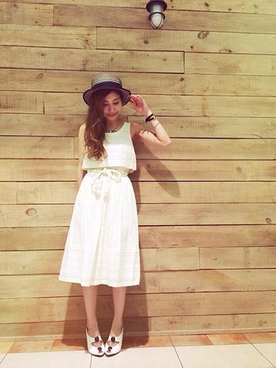 4. Percantik Dengan Topi Favorit