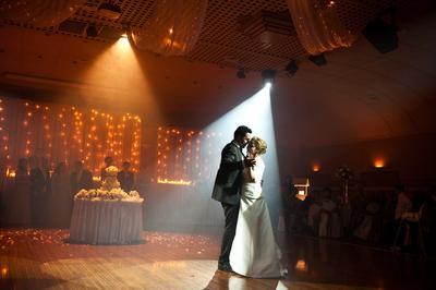 Lagu-Lagu Romantis yang Harus Ada Dalam Acara Pernikahan