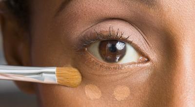 5 Kesalahan Makeup yang Akan Membuatmu Terlihat Lelah