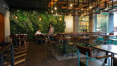 Communal Coffee & Eatery