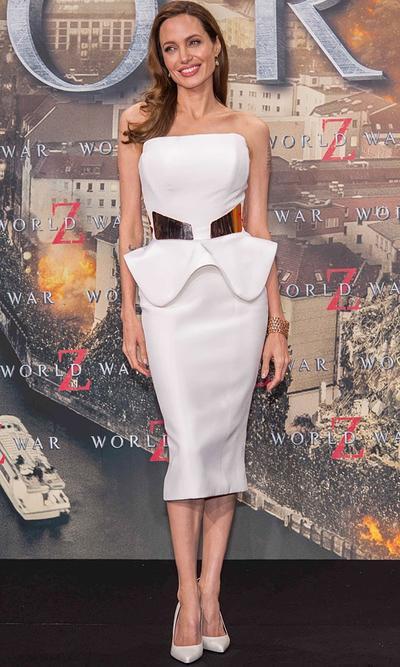 Pakai Little White Dress? Simak Tipsnya!