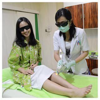 Perbedaan Metode Waxing dan Laser Hair Removal