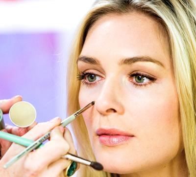 Makeup Area Pipi & Dahi