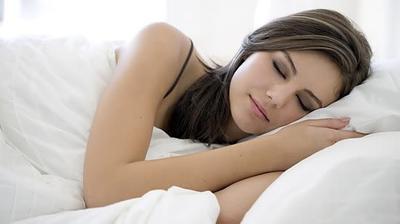 4. Tidur Dengan Posisi Menyamping