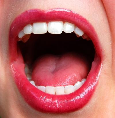 Tips Mudah Mengatasi Bau Mulut
