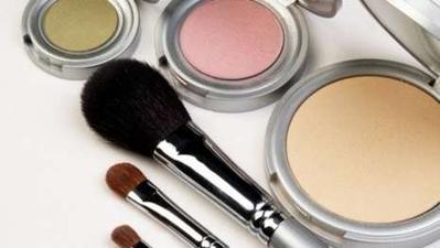 Cegah Alergi Kosmetik Dengan Menghindari Bahan-Bahan Ini