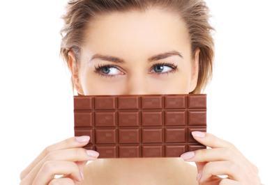 Penyebab Sebenarnya Bukan Cokelat!