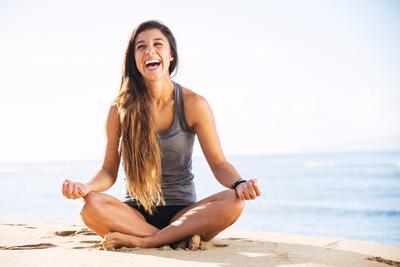 5 Gerakan Yoga Agar Merasa Lebih Bahagia