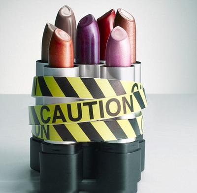 Hati-Hati, Kandungan Racun Berbahaya dalam Makeup