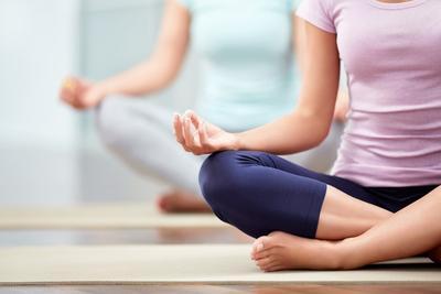 10 Masalah Kesehatan yang Bisa Disembuhkan Dengan Yoga