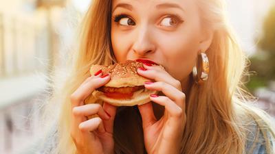 5 Cara Mengatur Pola Makan Agar Tetap Terlihat Awet Muda