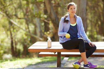 2. Makan Terlalu Banyak Sebelum Berolahraga