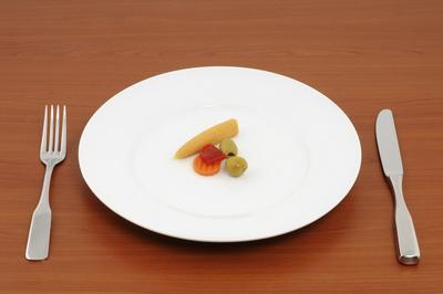 3. Porsi Makan Berkurang Drastis
