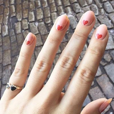 Inspirasi Kuku Cantik saat Hari Pernikahan