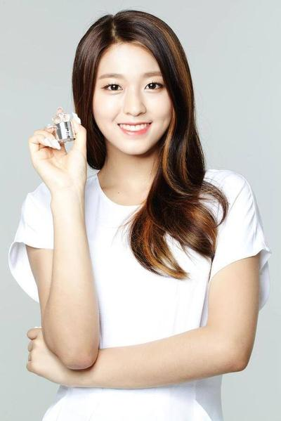 10 Parfum Favorit Selebriti Korea