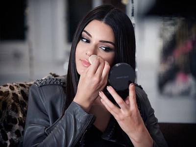 Tips Cantik Saat Berlibur ala Kendall Jenner