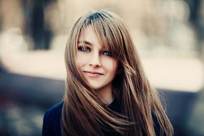 Berbagai Model Potongan Cantik untuk Rambut Panjang