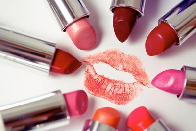 5 Warna Lipstik Favorit yang Banyak Digemari