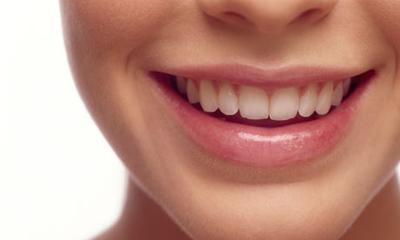 7 Kebiasaan Buruk yang Dapat Merusak Gigi