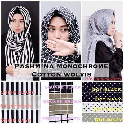 3. Hijab Monochrome