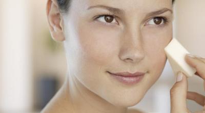 Tips Makeup Untuk ke Pesta yang Praktis & Tahan Lama