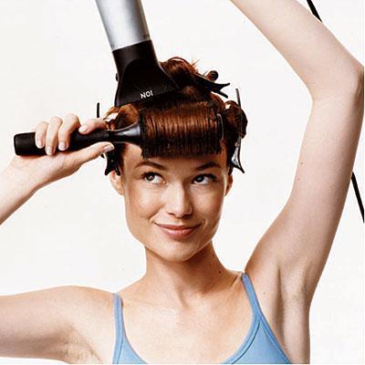 Cara Membuat Tatanan Rambut Blow Bertahan Lebih Lama  9772d171de
