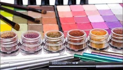 Tips Bedakan Kosmetik Asli & Palsu