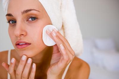 5 Langkah Membersihkan Makeup Dengan Sempurna