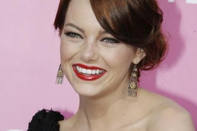 Tips Memilih Lipstick untuk Tampilan Gigi Lebih Putih