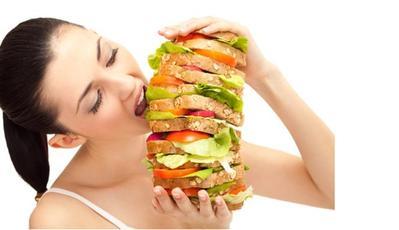 5. Hindari Makan Terlalu Banyak