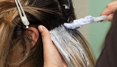 Cara Mewarnai Rambut Tanpa Bleaching Menggunakan Bahan Kimia