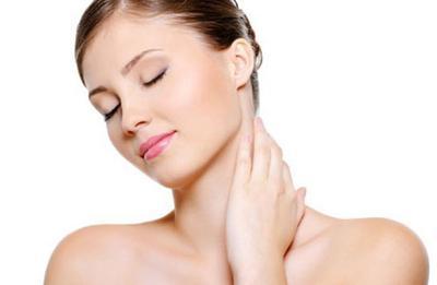 Tips Mengatasi Kulit Leher Bagian Belakang yang Hitam