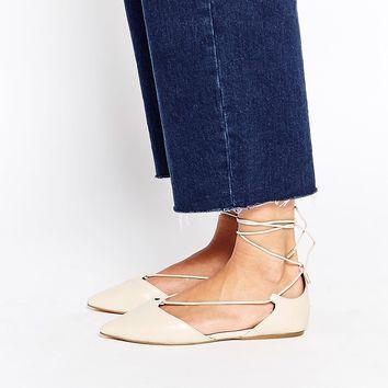 Efek Buruk Flat Shoes Terhadap Kesehatan