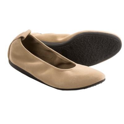 source  http   www.tips-sepatu-wanita.com 2015 02 perawatan-sepatu-nubuck.html.  Perawatan terbaik untuk semua jenis ... 9bd19f9641