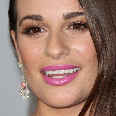 Lipstik Pink & Eyeshadow Bronze