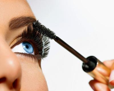 10 Mascara Terbaik untuk Tampil Dengan Eye Makeup Sempurna